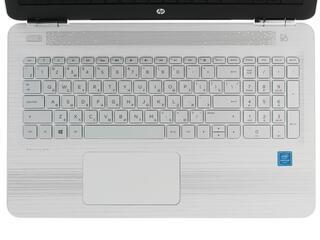 "15.6"" Ноутбук HP Pavilion 15-au005ur белый"