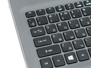 """15.6"""" Ноутбук Acer Aspire E5-522G-82N8 черный"""