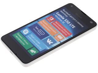 "4.7"" Смартфон Microsoft Lumia 550 8 ГБ белый"