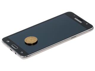 "5.5"" Смартфон Samsung SM-J710F Galaxy J7 16 Гб черный"