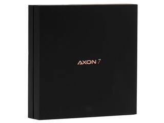 "5.5"" Смартфон ZTE Axon 7 64 ГБ золотистый"