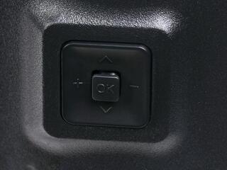 "58"" (147 см)  LED-телевизор DEXP U58B9900H серебристый"