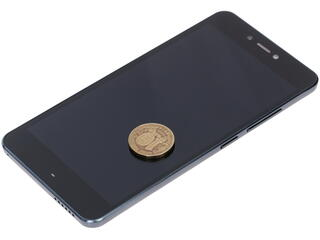 "5.3"" Смартфон Prestigio Muze E3 8 ГБ черный"