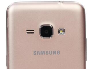 "4.5"" Смартфон Samsung SM-J120F Galaxy J1 8 ГБ золотистый"