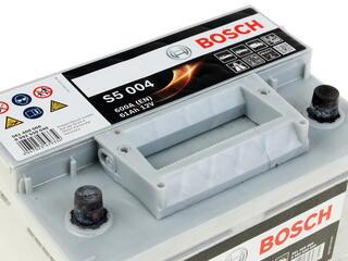 Автомобильный аккумулятор Bosch S5 004