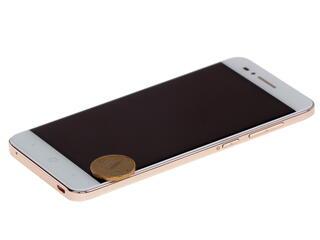 "5"" Смартфон ZTE Blade A610 16 ГБ золотистый"