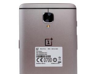 "5.5"" Смартфон OnePlus 3 64 ГБ серый"