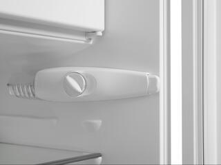 Холодильник с морозильником Electrolux ERN2201FOW