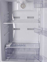 Холодильник с морозильником BEKO RCNK295K00W белый