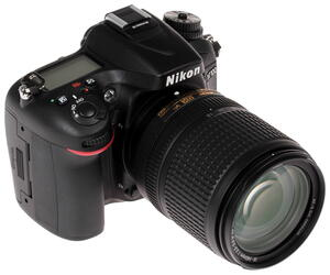 Зеркальная камера Nikon D7100 Kit 18-140mm VR черный