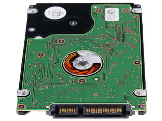 Жесткий диск Hitachi Travelstar 5K500 HTE725050A7E630 500 ГБ