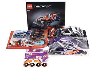 Конструктор LEGO Technic Гоночный карт 42048