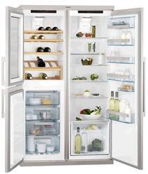 Холодильник с морозильником AEG S92700CNM0 серебристый