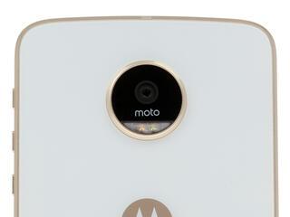 "5.5"" Смартфон Moto Z Play 32 ГБ золотистый"
