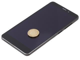 "5.5"" Смартфон Prestigio Grace S5 LTE 8 ГБ черный"