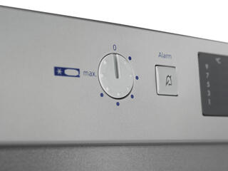 Холодильник с морозильником Liebherr CPesf 4613-21 серебристый