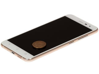 "5.5"" Смартфон ASUS Zenfone 3 ZE552KL 64 ГБ белый"