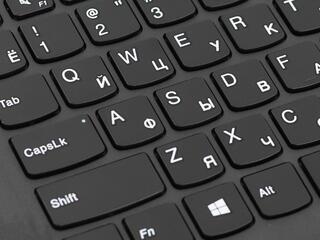 "15.6"" Ноутбук Lenovo V110-15ISK черный"