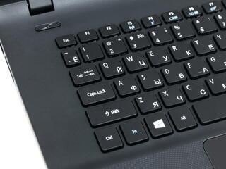 """15.6"""" Ноутбук Acer Aspire ES1-520-33YV черный"""