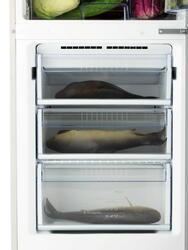 Холодильник с морозильником Sharp SJ-B233ZR-SL серебристый