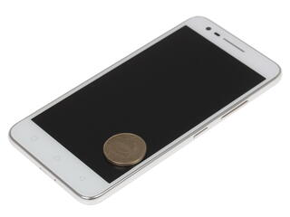 "5"" Смартфон Lenovo Vibe C2 8 ГБ белый"