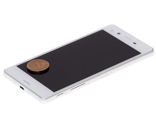 "5"" Смартфон Sony XPERIA X 32 ГБ белый"