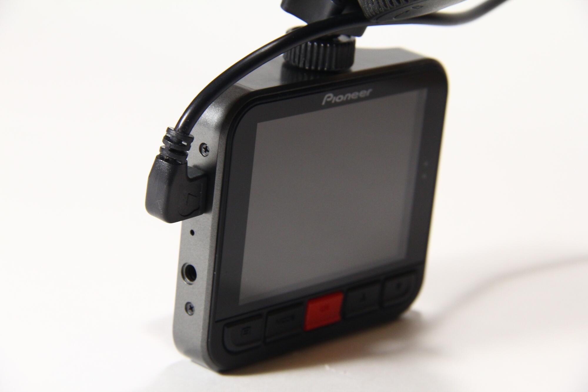 Avtotovary - Obzor avtomobilnogo videoregistratora Pioneer VREC-100CH