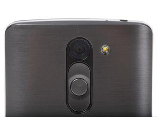 "5"" Смартфон LG L Bello 8 Гб черный"