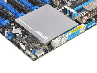 Плата Asus P9X79-E WS Socket-2011 Intel X79 DDR3 ATX AC`97 8ch(7.1) 2xGgE SATA3 eSATA RAID