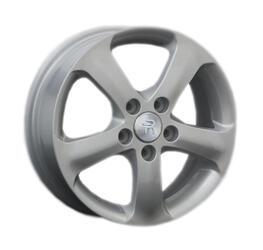 Автомобильный диск Литой Replay HND17 5,5x15 5/114,3 ET 47 DIA 67,1 Sil