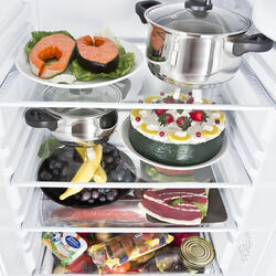 Холодильник с морозильником Indesit BIA 181 белый