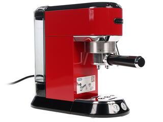 Кофеварка Delonghi EC 680.R красный