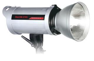 Студийный свет Falcon Eyes DE-300BW