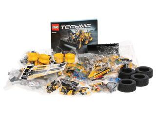 Конструктор LEGO Technic Автопогрузчик VOLVO L350F с дистанционным управлением 42030
