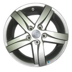 Автомобильный диск Литой Replay TY135 5,5x15 5/114,3 ET 39 DIA 60,1 Sil