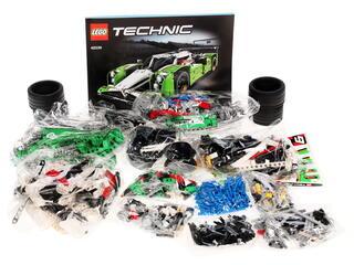 Конструктор LEGO Technic Гоночный автомобиль 42039