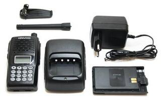 Набор портативных радиостанций Kenwood TK-180