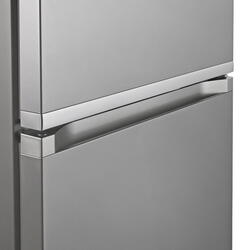 Холодильник с морозильником Samsung RB38J7761SA/WT серебристый
