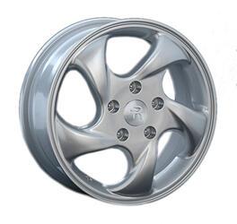 Автомобильный диск Литой Replay HND39 5,5x15 4/114,3 ET 46 DIA 67,1 Sil