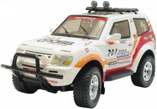 Машина Pajero 8885