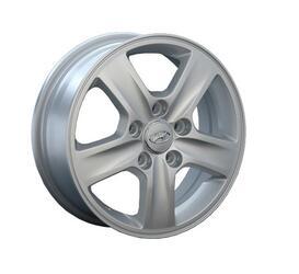 Автомобильный диск Литой Replay HND33 5,5x15 5/114,3 ET 47 DIA 67,1 Sil