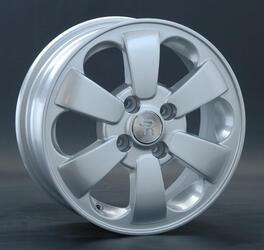 Автомобильный диск Литой Replay HND65 5,5x14 4/100 ET 46 DIA 54,1 Sil
