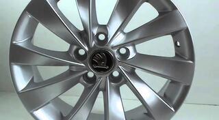Автомобильный диск литой Replay SK54 6,5x15 5/100 ET 43 DIA 57,1 Sil