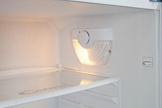 Холодильник с морозильником Candy CTSA 6170W белый