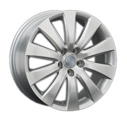 Автомобильный диск литой Replay FD82 7,5x18 5/114,3 ET 44 DIA 63,3 Sil