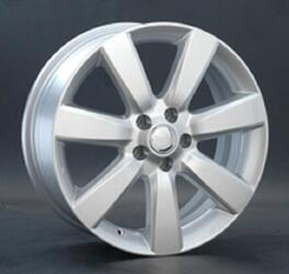 Автомобильный диск литой Replay RN141 6,5x15 5/114,3 ET 43 DIA 66,1 Sil