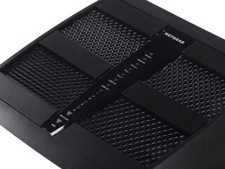 Маршрутизатор NetGear Nighthawk X6 R8000-100