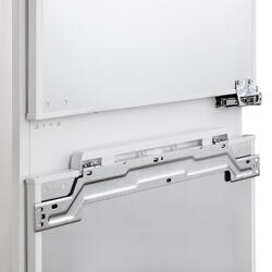Холодильник с морозильником BOSCH KIC 38A51RU