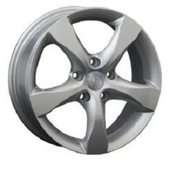 Автомобильный диск литой Replay NS36 6,5x18 5/114,3 ET 40 DIA 66,1 Sil