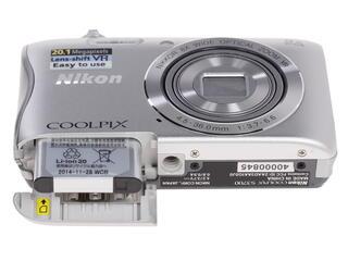 Компактная камера Nikon Coolpix S3700 серебристый